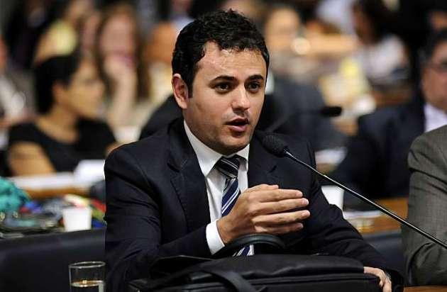 Audiência pública da Comissão Mista sobre a MP 664/14, que estabelece novas regras para concessão de auxílio-doença e pensão por morte. Dep. Glauber Braga (PSB-RJ)