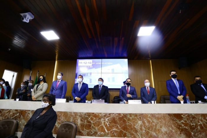 Tradicional solenidade de abertura dos trabalhos, no plenário Simão Estácio da Silveira