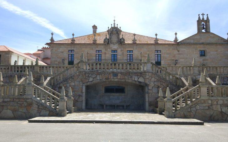El Pazo de Montesacro o Pazo de Santo Tomé