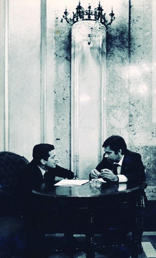 EL PRESENTE Y EL FUTURO. Adolfo Suárez era el presidente del Gobierno del momento y el socialista Felipe González, entonces en la oposición, lo sería de 1982 a 1996. Ambos llevaron la batuta de los encuentros.