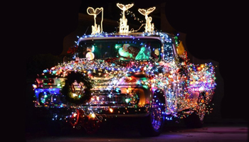 How to Legally Decorate Your Car for Christmas
