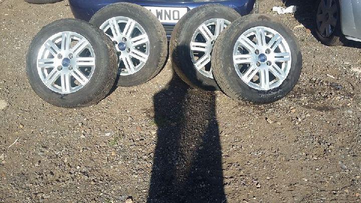 Set of 4 Wheels & Tyres