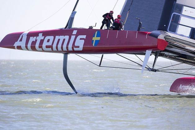 America's Cup on hydrofoil