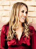 Kristin Luna, Travel Writer