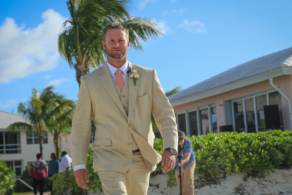 Love in the Bahamas | A Destination Wedding in Abaco