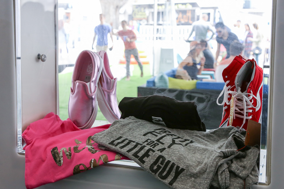 #ZapposRoadShow Travels the Country: Shop for Clothes, Eat Good Food, Adopt a Dog —why wouldn't you come out