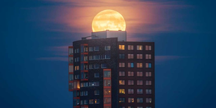 How to shoot a supermoon