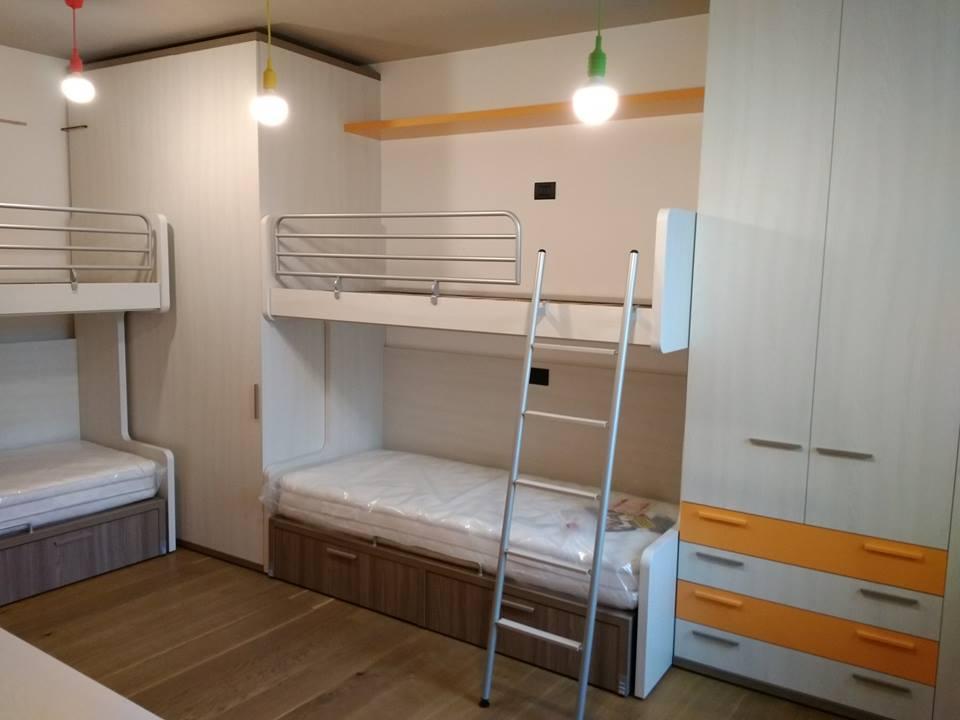 Se avete spazi di piccole dimensioni o camerette strette e lunghe, nella scelta degli arredi è bene considerare soluzioni salvaspazio. Camerette Piccole Qualche Idea Per Arredarle