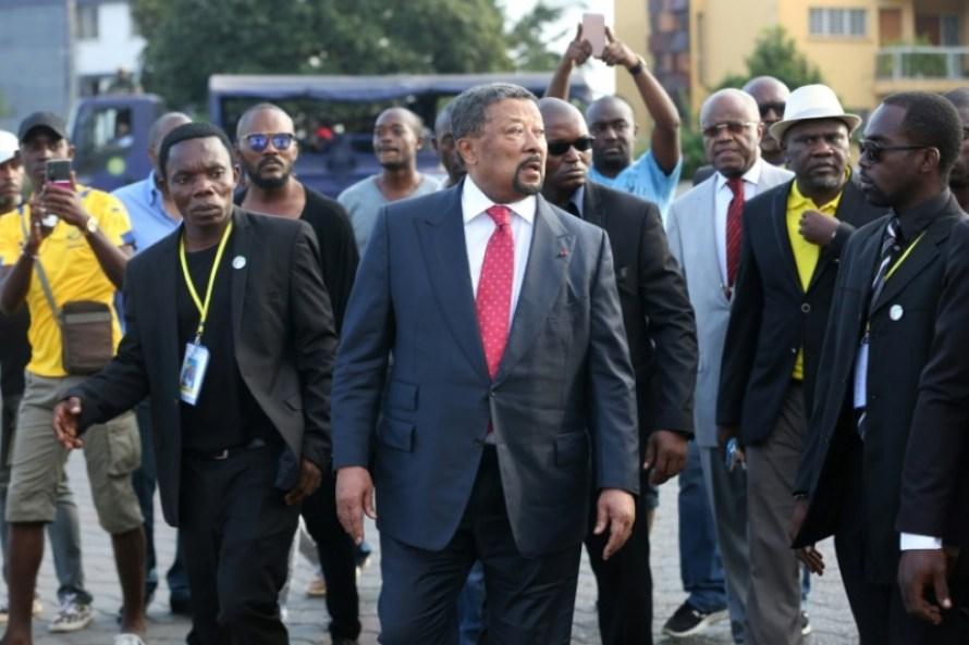 L'opposant gabonais Jean Ping (c), le 25 juillet 2017 à Libreville (c) AFP/Archives/STEVE JORDAN
