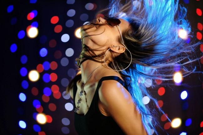 disco_club_girl_dance_exercise_hair_glasses_hd-wallpaper-74706