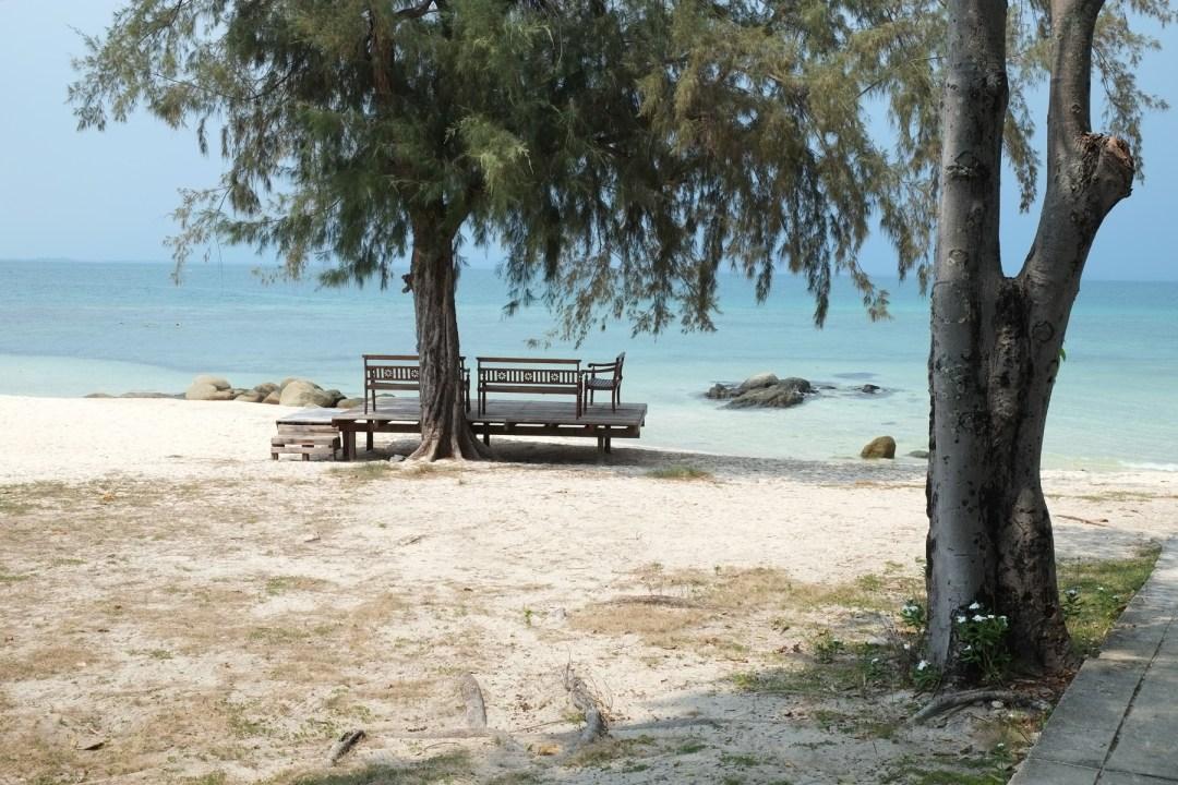 Koh Munnork, the bench