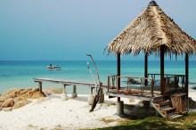 Koh Munnork, the bamboo hut on the beach
