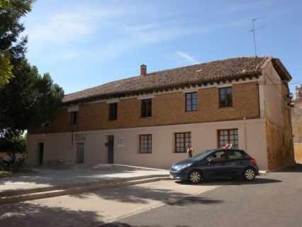 Villal-Cazar-de-Sirga-05-albergue-01