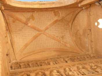 Villal-Cazar-de-Sirga-13-templar-church-04-vault