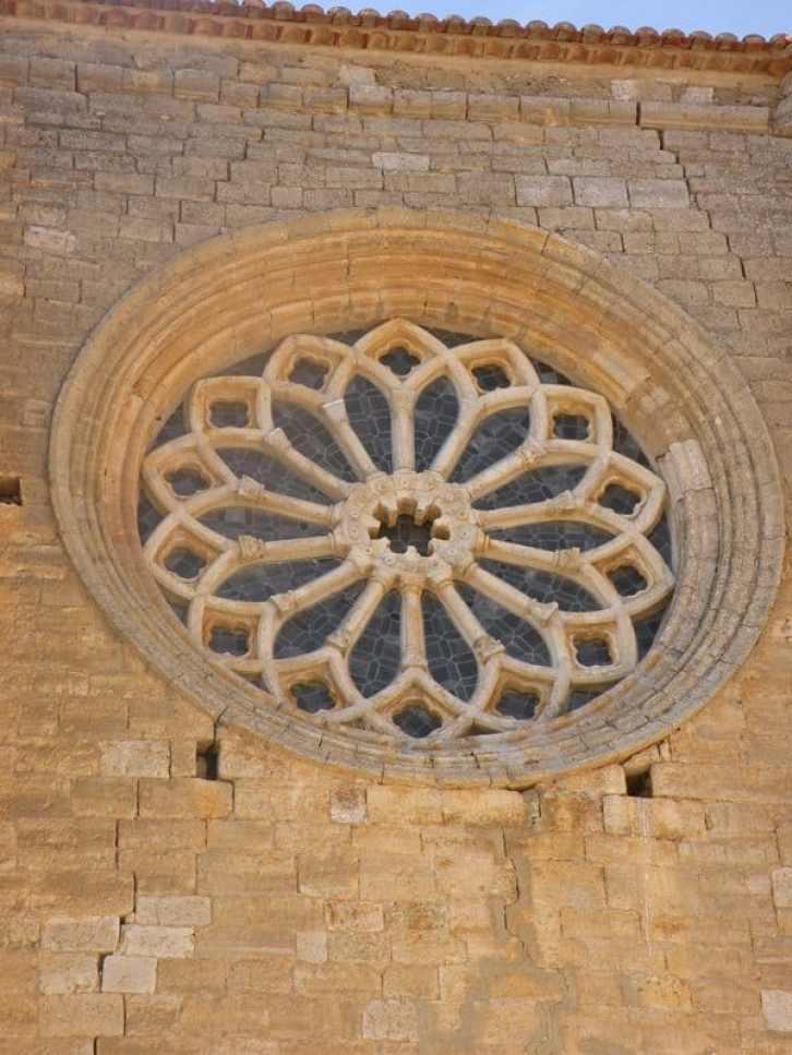 Villal-Cazar-de-Sirga-22-templar-church-13-rosette
