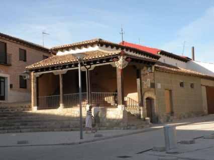 Villal-Cazar-de-Sirga-24-templar-church-16-parrochial-albergue