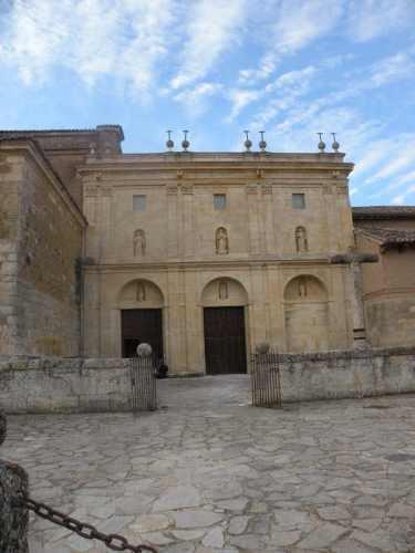 Villal-Cazar-de-Sirga---Los-Templarios-02-Carrion-de-los-Condes-02