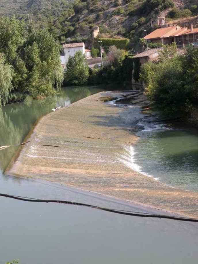 Cirauqui - Villamajor de Monjardin 12 Estella 04 river
