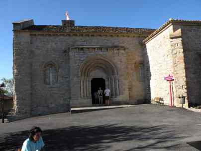 Cizur Minor 07 albergue 07 church part outside