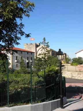 Cizur Minor 13 albergue in the village