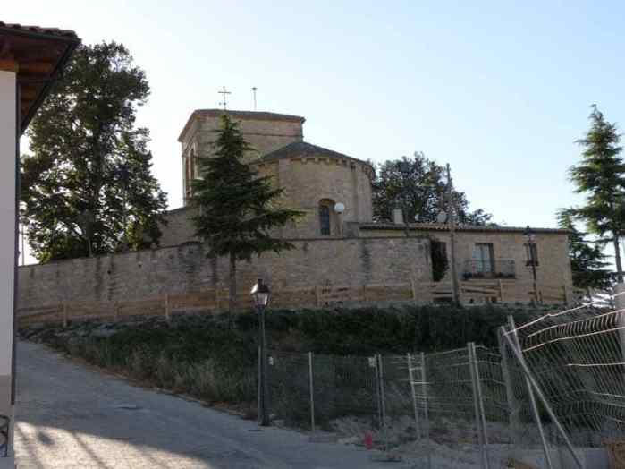 Cizur Minor 14 church 01 under construction