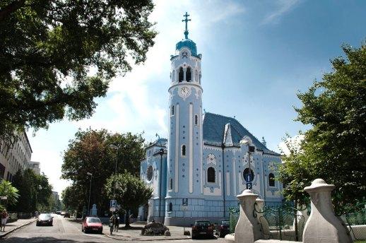 Qué ver en Bratislava : la iglesia azul. Fuente: Visit Bratislava