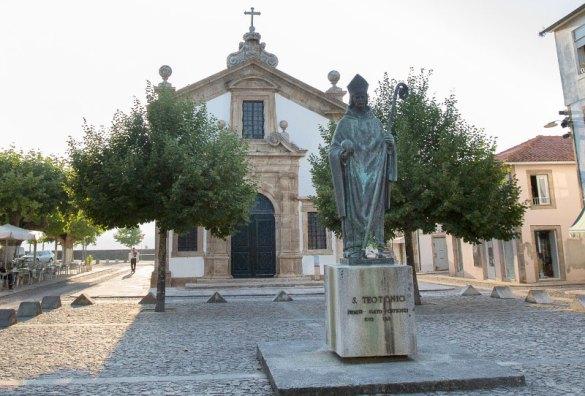 Valença do Minho y su fortaleza: monumento a São Teotonio
