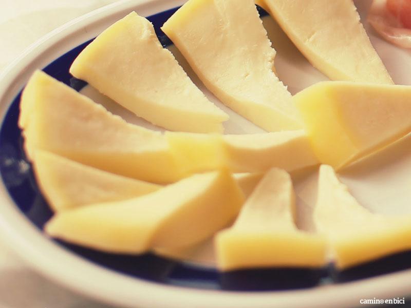 Camino de Santiago desde León- Soberea el queso de Arzúa a tu paso por esta localidad