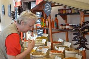 Mom in Heaven with Spices in St.-Jean-Pied-de-Port