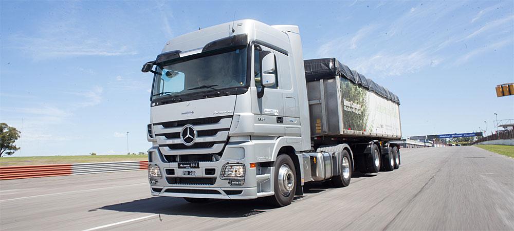 Mercedes-Benz lanza los crétitos MiPyME para camiones