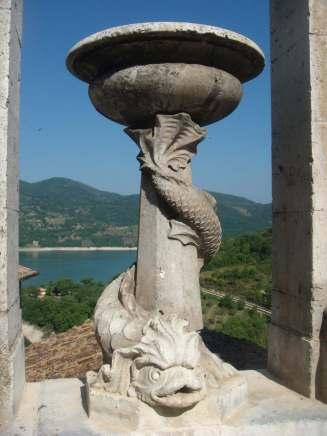 Castel di Tora, la fontana del Tritone