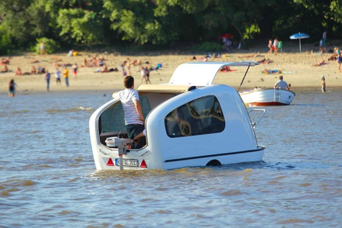 The trailer that is also a yacht: The Sealander
