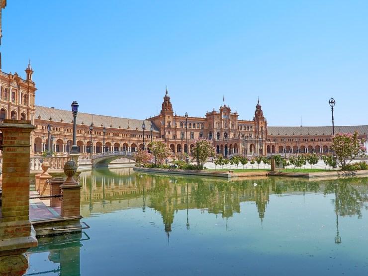 Das Regionalparlament in Sevilla