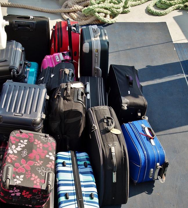 Viele Taschen und Koffer