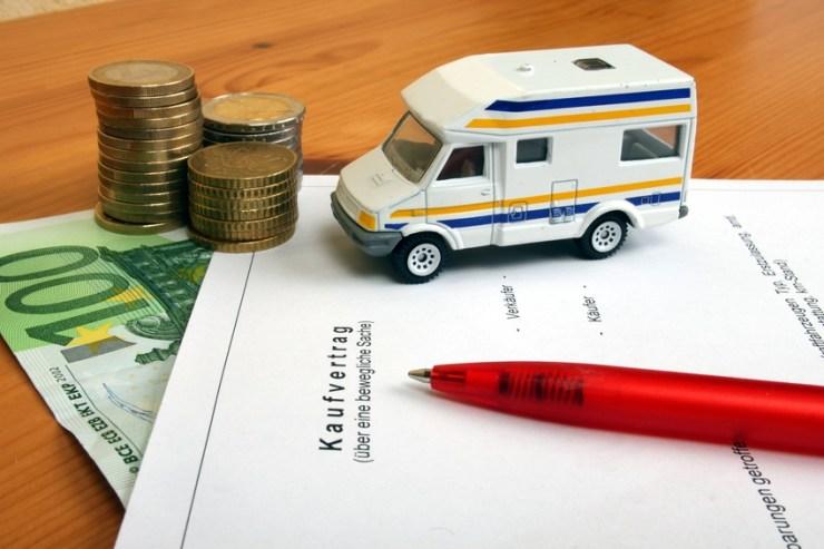 Bei längeren Touren kann es sich lohnen, ein Wohnmobil zu kaufen. Wir versuchen, bei dieser Entscheidung zu helfen