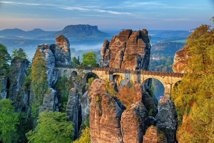 Die Basteibrücke in der Sächsischen Schweiz.