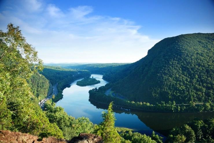 Blick über das Durchbruchstal Water Gap
