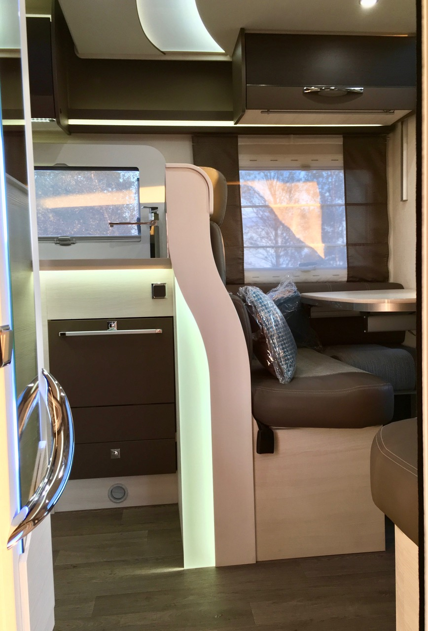 Foto entree Chausson 718 XLB 2017 Campers Noord