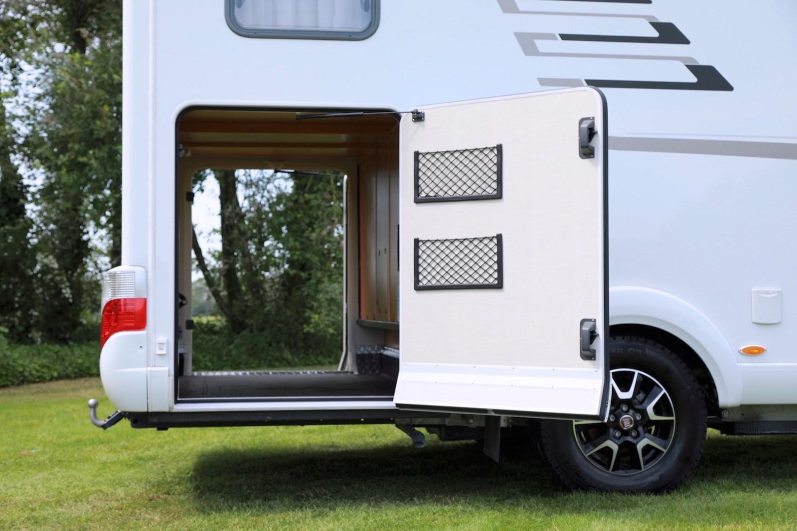 Hymer T 588 SL tramp garage campers noord