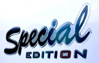 Logo special edition challenger 398 xlb bij Campers Noord