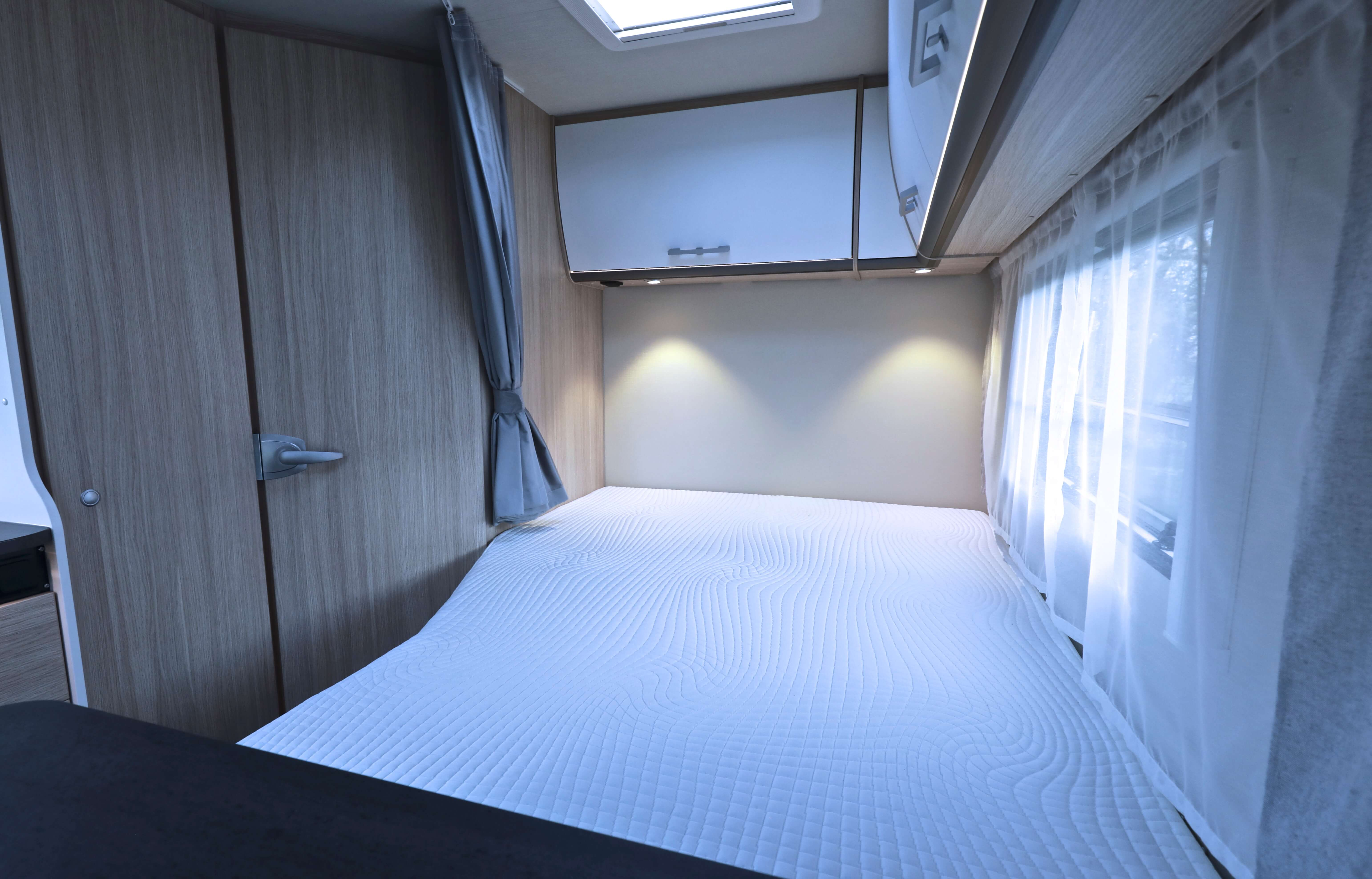 Bed Sunlight T 58 Campers Noord
