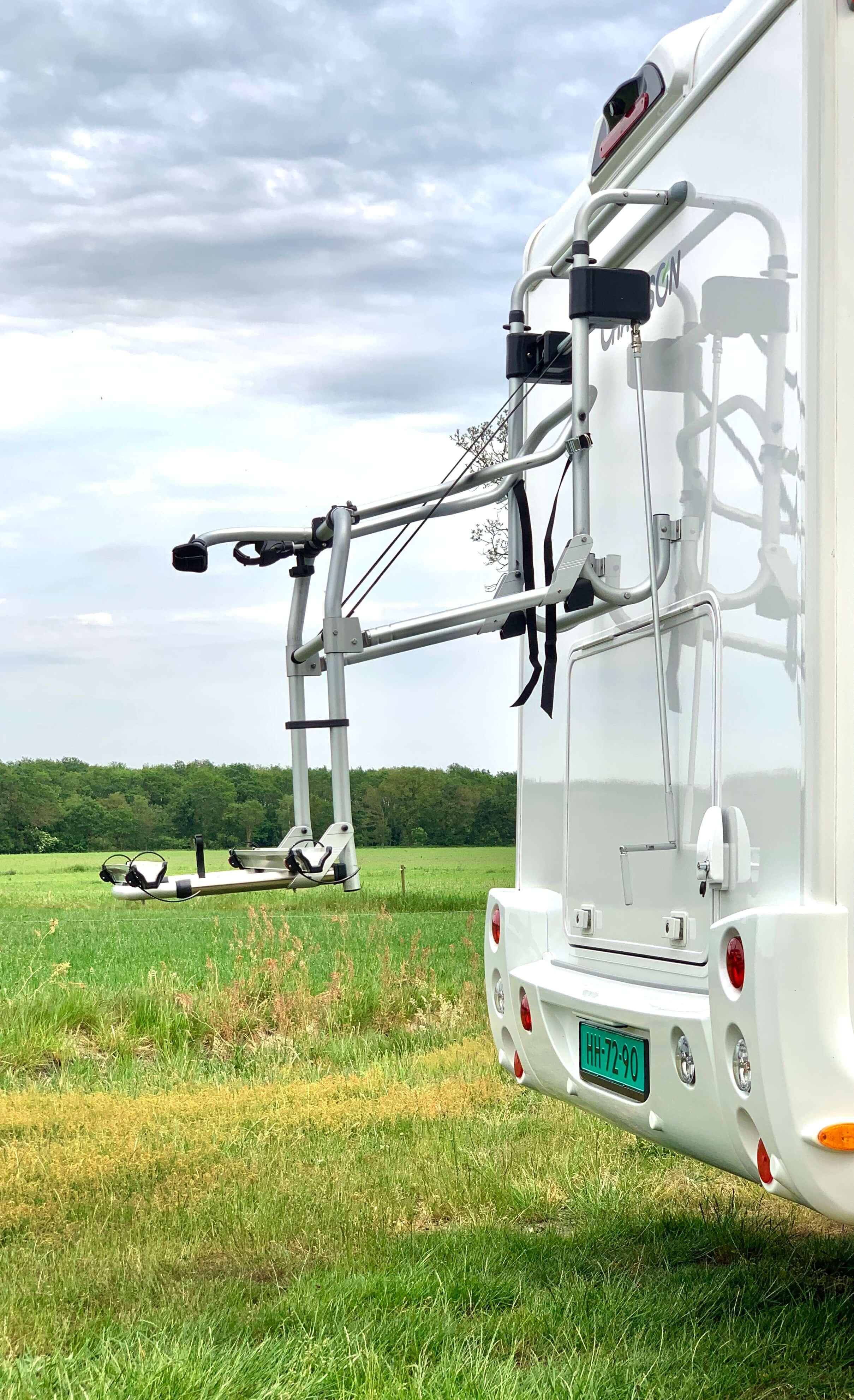 Fietsendrager lift Chausson 718 XLB VIP te koop bij Campers Noord