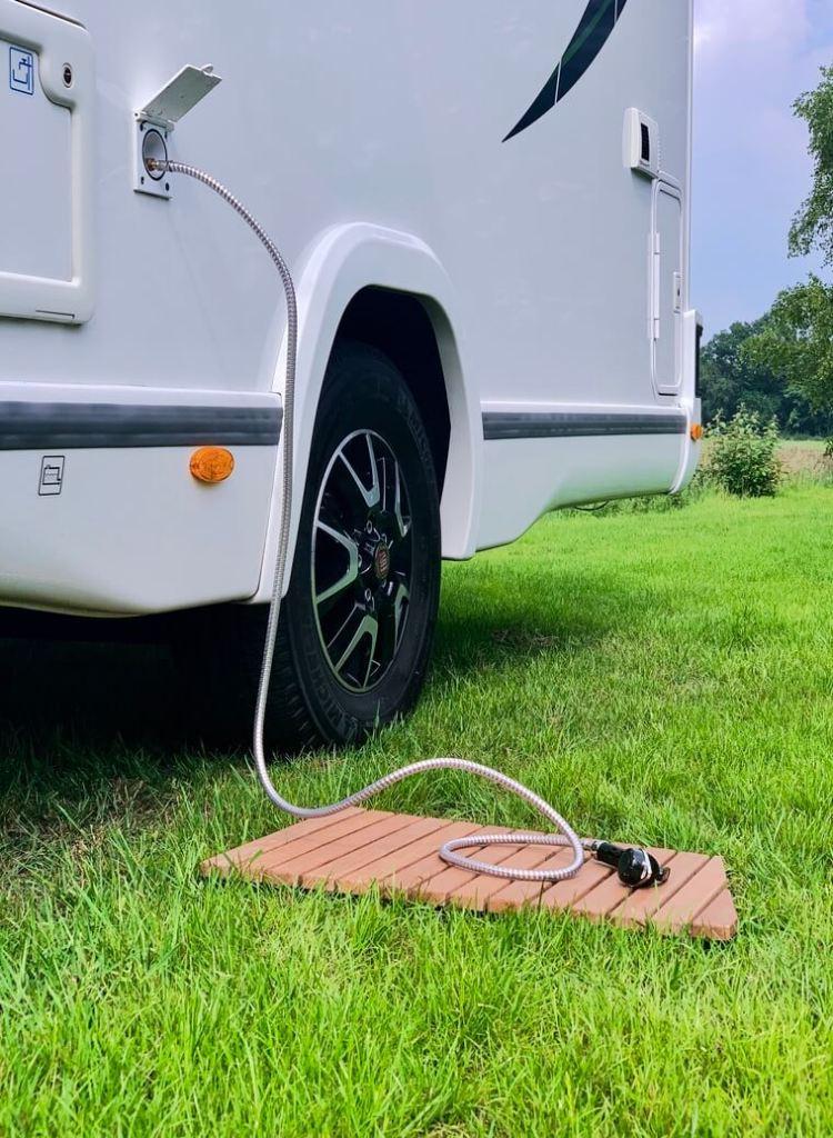 Buitendouche Chausson 768 welkome premium 2019 Buitendouche campers noord