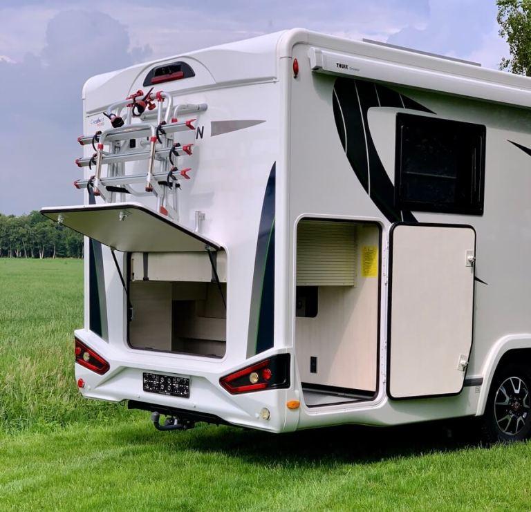 Garage Chausson 768 welkome premium 2019 Garage campers noord