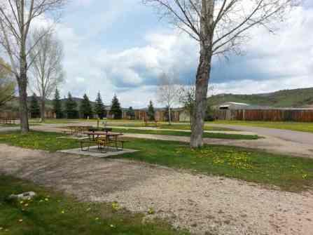 Steamboat Campground Pull Thru Sites