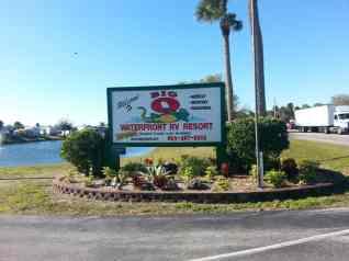 Big O Waterfront RV Resort in Okeechobee Florida