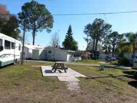 Camp Inn RV Resort in Frostproof Florida4