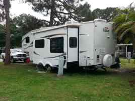 Encore Sunshine Travel RV Resort in Vero Beach Florida1