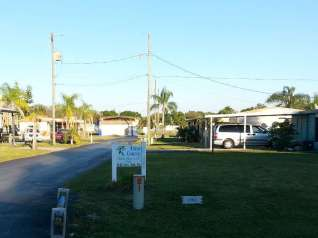 Tice Mobile Home Court in Fort Myers Florida