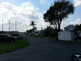 Twin Lakes Travel Park in Fort Lauderdale (Davie) Florida1